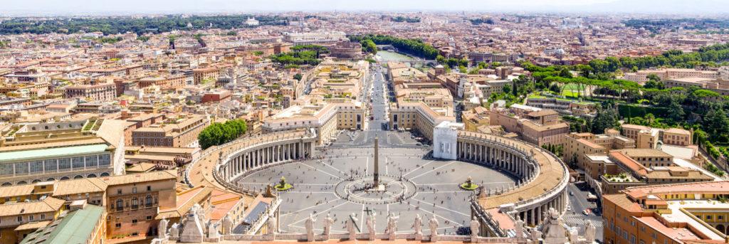 Nichée au coeur de Rome, la cité du Vatican