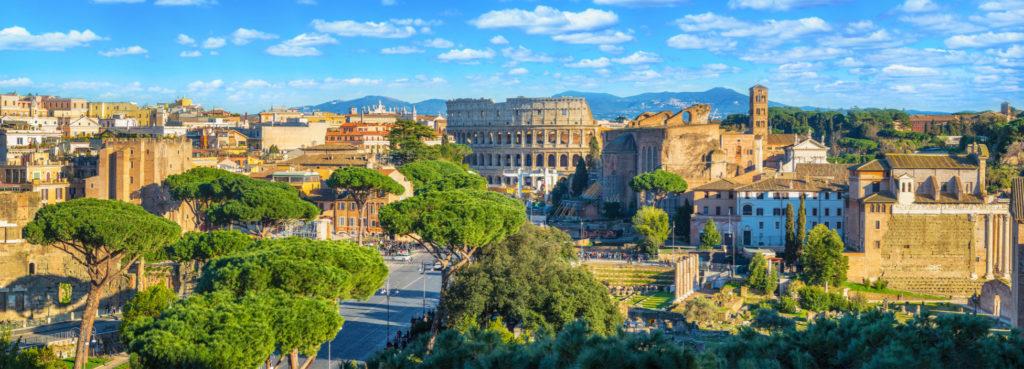Panorama de Rome avec le Colisée