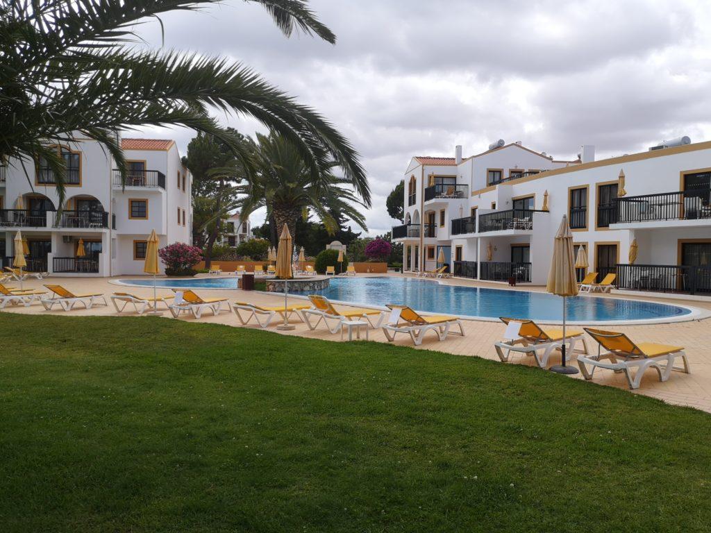hôtel - espace piscine