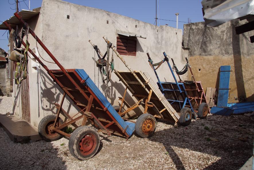 Parking de charettes à Fadiouth, Sénégal