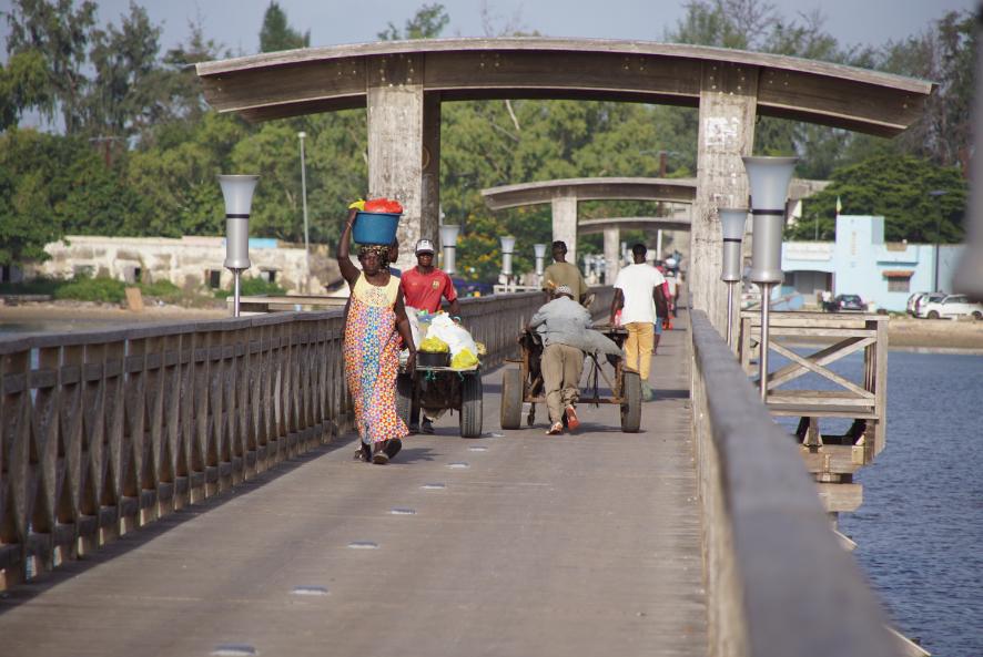 Pont d'accès à Fadiouth l'île aux coquillages, Sénégal