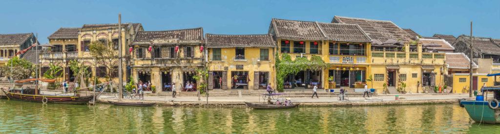 Bach Dang Street le long de la rive Thu Bon, Hoi An, Vietnam